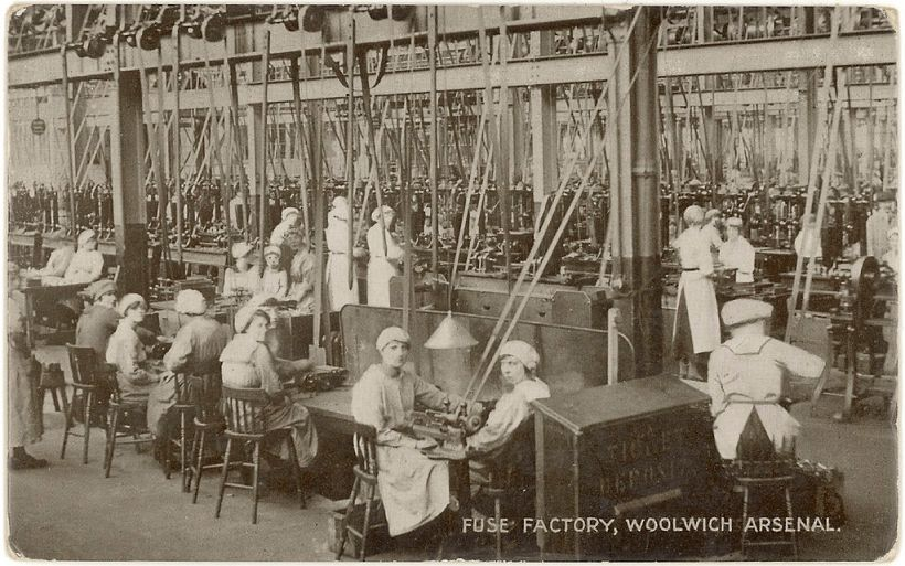 1024px-Workers_in_the_fuse_factory_Woolwich_Arsenal_Flickr_4615367952_d40a18ec24_o